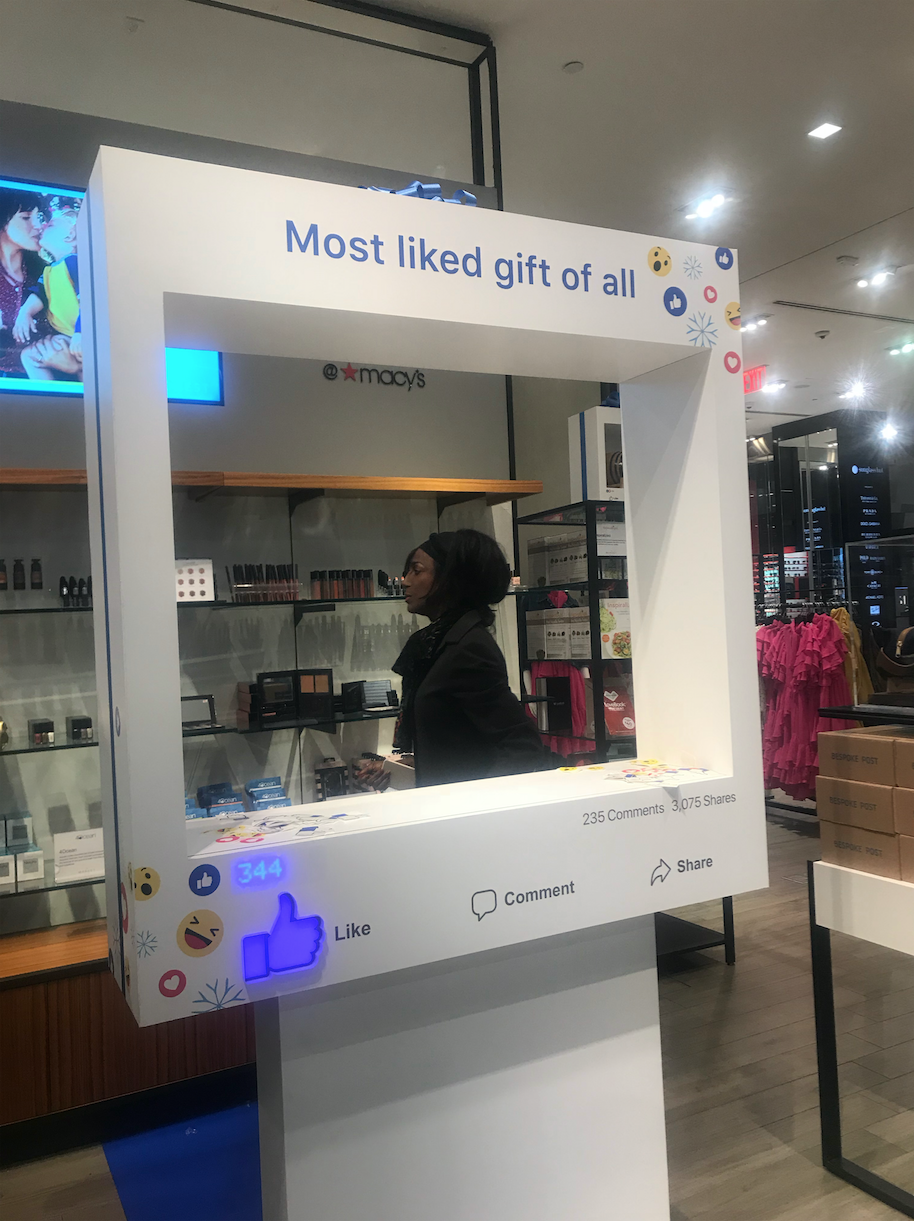 Facebook Pop Up at Macy's